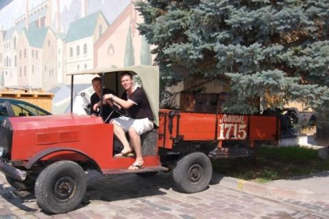 2008_excursions_beer2.jpg