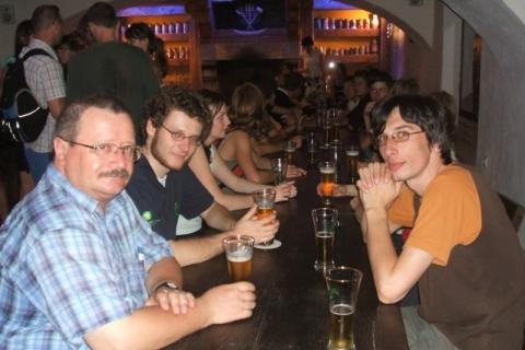 2008_excursions_beer3.jpg